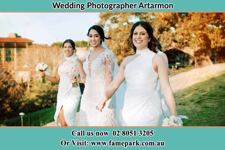 Photo of the Bride and the bridesmaids walking Artarmon NSW 2064